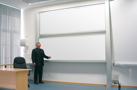 Tablica akademicka niezależna biała suchościeralna, magnetyczna,ceramiczna P3 100x400 cm (1)