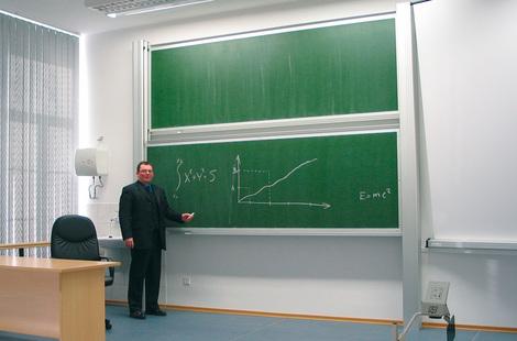 Tablica akademicka niezależna zielona do kredy, magnetyczna, ceramiczna P3 100x400 cm (1)