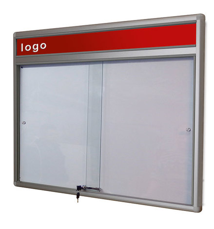 Gablota Dallas eco Magnetyczna-drzwi przesuwane z logo 89x98 (8xA4) (1)
